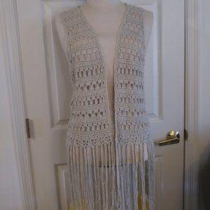 Umgee | Open Weave Fringe Trim Vest | 1XL |